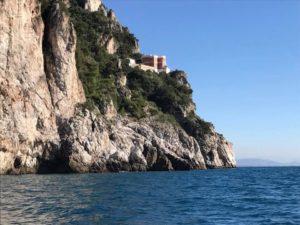 Faro di Capo D'Orso. Immagine tratta dal sito www.wwf.it